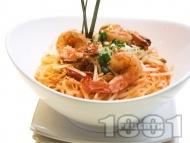 Пад Тай (Pad Thai) - оризови нудъли със скариди (или морски дарове)